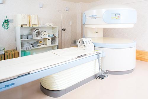 オープン型MRI装置